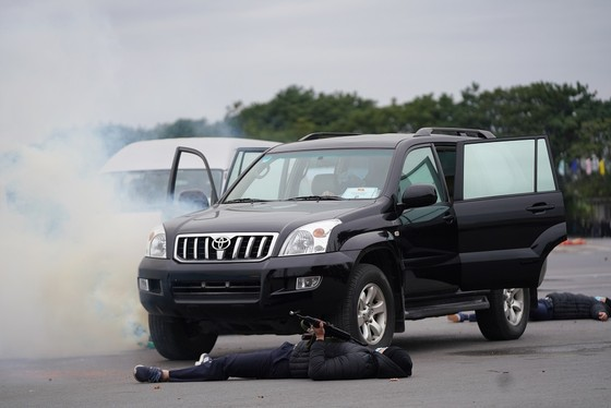 Diễn tập bảo vệ nguyên thủ khi bất ngờ có khủng bố ảnh 11