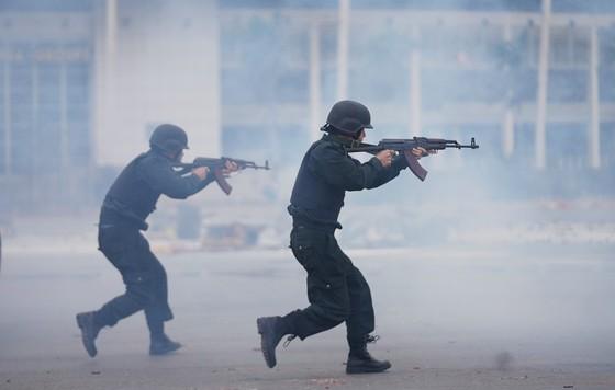 Diễn tập bảo vệ nguyên thủ khi bất ngờ có khủng bố ảnh 9