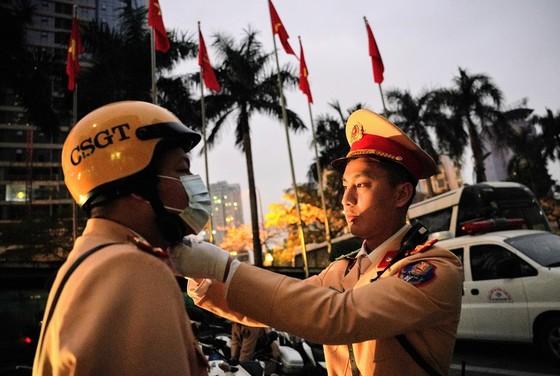 Chùm ảnh cảnh sát giao thông dẫn đoàn chuẩn bị cho một ngày làm việc ảnh 11