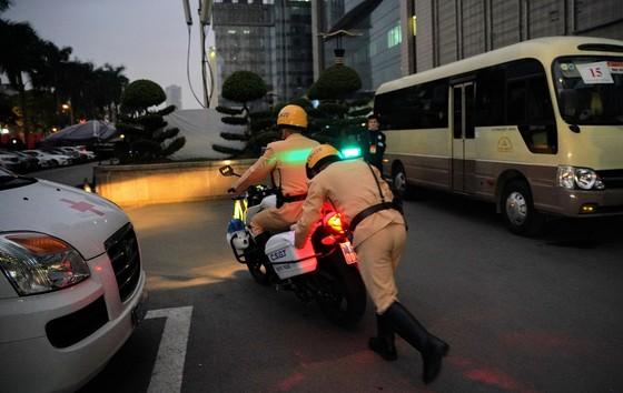 Chùm ảnh cảnh sát giao thông dẫn đoàn chuẩn bị cho một ngày làm việc ảnh 10