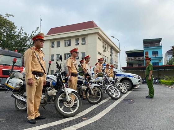 Cảnh sát giao thông Hà Nội ra quân đảm bảo an toàn giao thông ngày nghỉ lễ ảnh 1