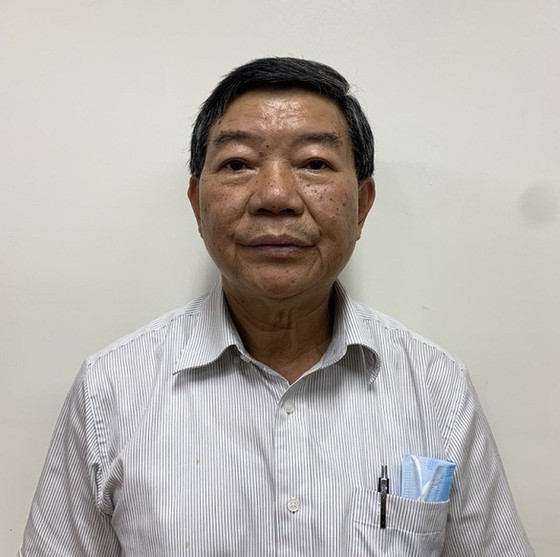 Cựu Giám đốc Bệnh viện Bạch Mai thống nhất nâng khống giá thiết bị y tế ảnh 1