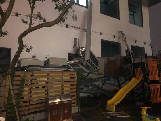 Hà Nội: Giàn điều hòa chung cư bất ngờ sập trong đêm ảnh 1