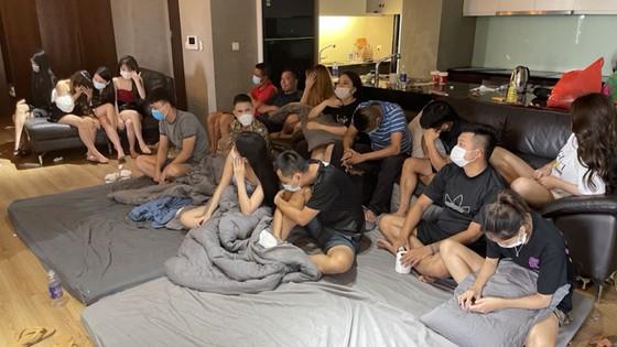 17 thanh niên nam, nữ tổ chức bay lắc trong khu đô thị ảnh 1
