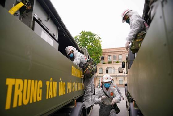 15 xe đặc chủng phun khử khuẩn tại 3 quận nội thành Hà Nội ảnh 12