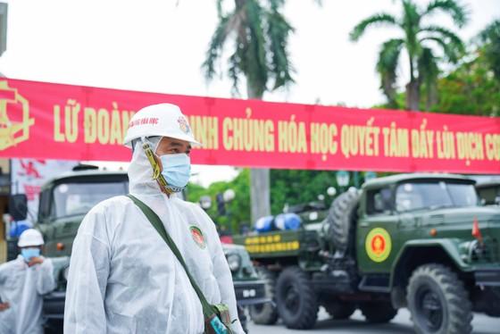 15 xe đặc chủng phun khử khuẩn tại 3 quận nội thành Hà Nội ảnh 2