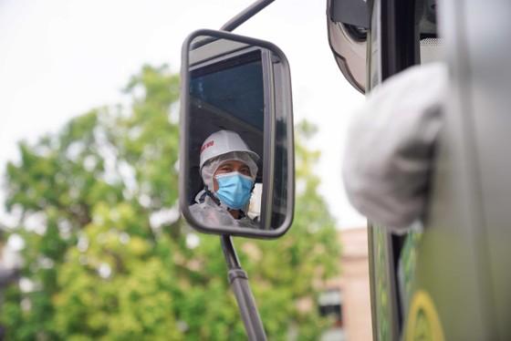 15 xe đặc chủng phun khử khuẩn tại 3 quận nội thành Hà Nội ảnh 14