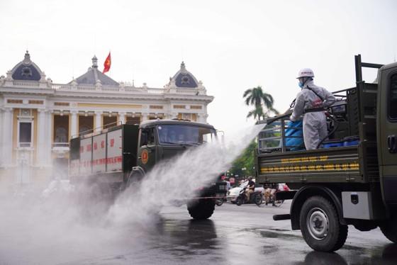 15 xe đặc chủng phun khử khuẩn tại 3 quận nội thành Hà Nội ảnh 21