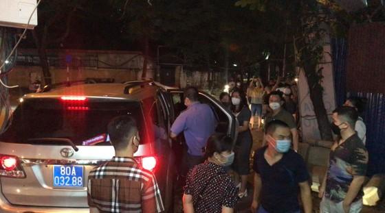 Nhiều lực lượng khám xét nhà cựu Trưởng Phòng Cảnh sát Kinh tế Hà Nội ảnh 3