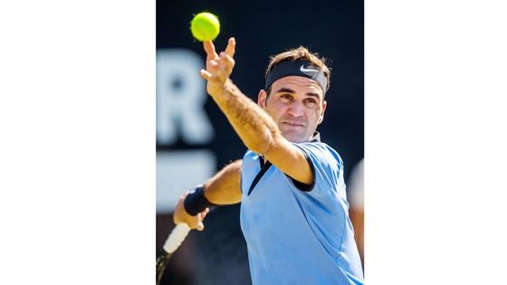 Roger Federer thua trận thứ 2 trong mùa