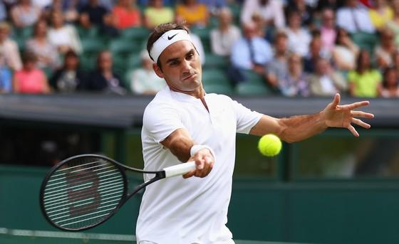 Đối thủ bỏ cuộc, Federer và Djokovic thoải mái vào vòng 2 ảnh 1