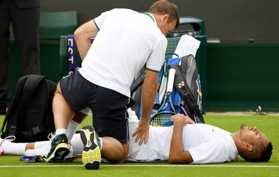 """Tình trạng chấn thương đang làm """"loạn nhịp"""" giải đơn nam ở Wimbledon 2017. ảnh 1"""