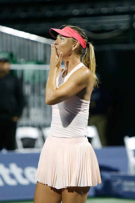 Sharapova lại chấn thương ảnh 1