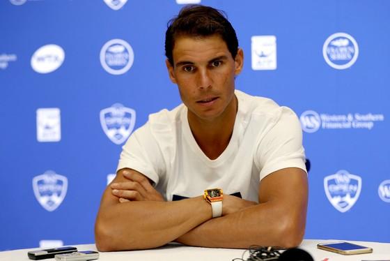 """Rút lui, Federer """"trao"""" ngôi số 1 cho Nadal ảnh 2"""