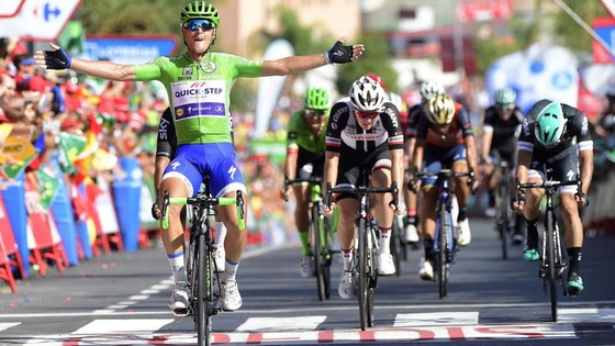 Tay đua Matteo Trentin