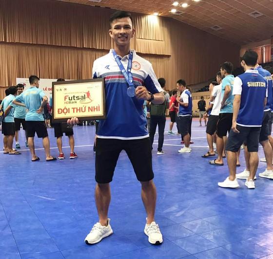 Tuấn Vinh – Từ siêu phủi, cầu thủ chuyên nghiệp tới ông chủ quán lẩu ảnh 2