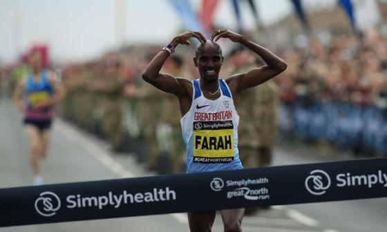 Farah lần thứ 4 vô địch Great North Run