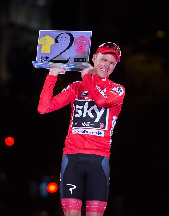 """Chris Froome đi vào lịch sử với """"cú đúp"""" Tour - Vuelta"""