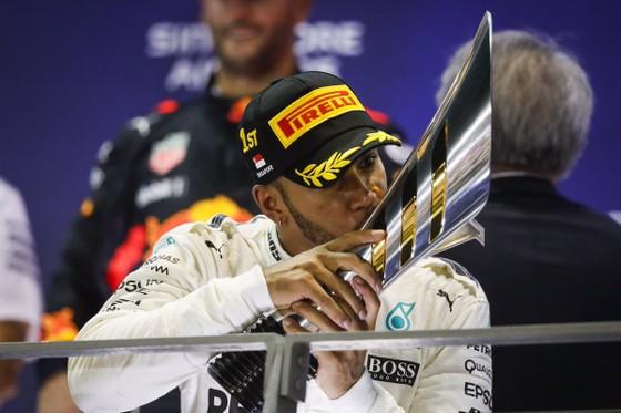 Hamilton thừa nhận thắng may mắn ảnh 3