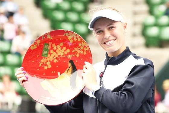 Cuối cùng thì, Caroline Wozniacki cũng giành được danh hiệu trong mùa