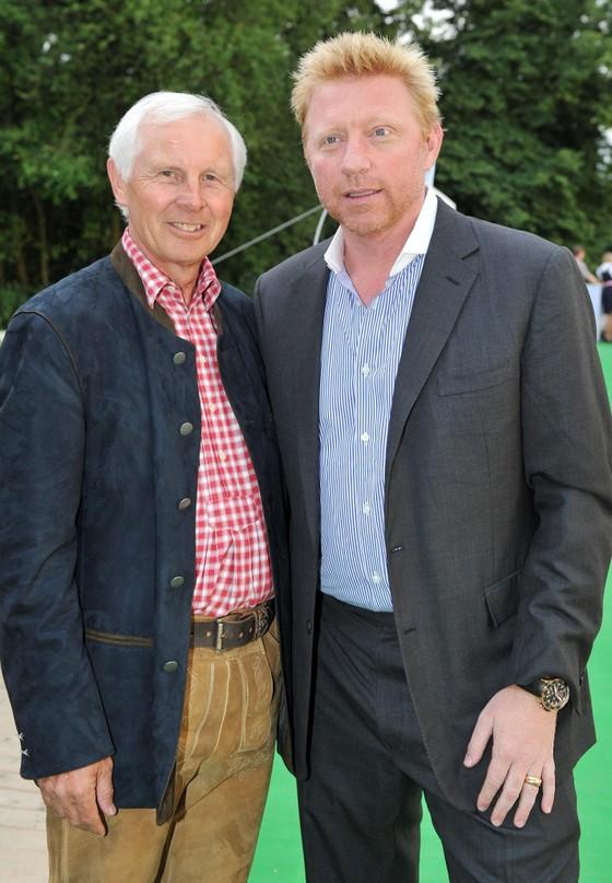 Nợ 48 triệu USD, Becker phải bán cúp vô địch Wimbledon ảnh 1