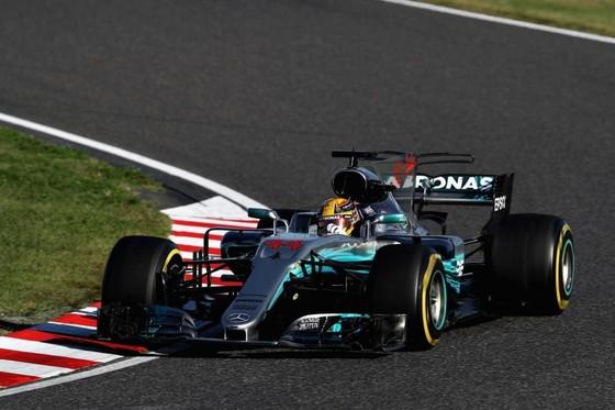 Đua xe F1: Lên ngôi ở Nhật Bản, Hamilton tiến gần đến ngôi VĐTG ảnh 1