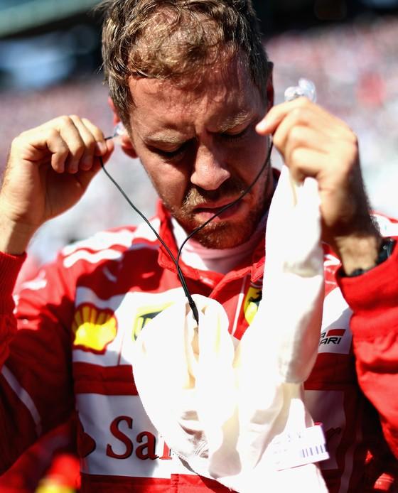 Đua xe F1: Lên ngôi ở Nhật Bản, Hamilton tiến gần đến ngôi VĐTG ảnh 3