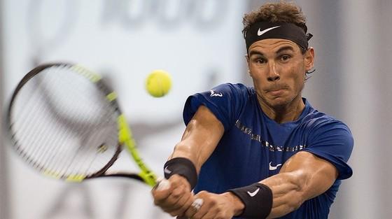 """Dù thất thế, Federer vẫn muốn chiếm ngôi """"Nhà vua"""" của Nadal ảnh 1"""