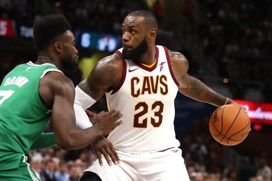 Bóng rổ NBA: ĐKVĐ Warriors thua đau trận mở màn mùa giải ảnh 2
