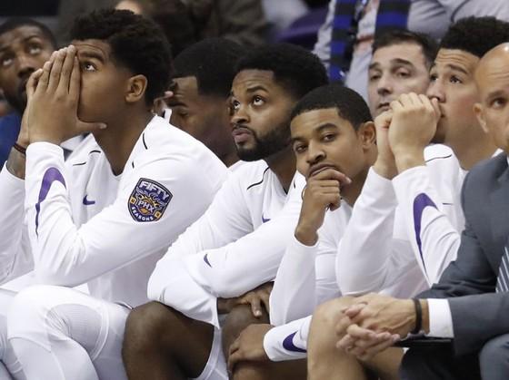 Phoenix Suns đối mặt với trận thua tệ nhất trong lịch sử