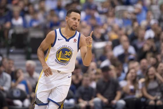 Stephen Curry đưa Warriors giành trận thắng thứ 2