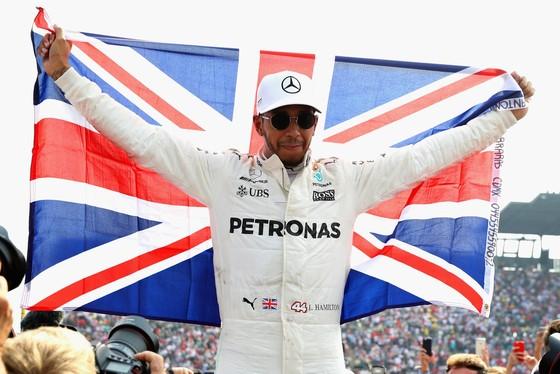 Lewis Hamilton lên ngôi VĐTG lần thứ 4