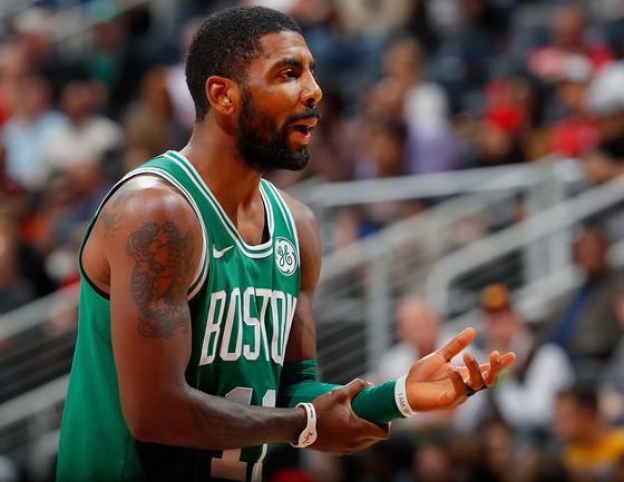 Kyrie Irving tỏa sáng, Celtics thắng trận thứ 10 liên tiếp