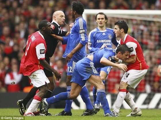 """Lampard nửa đùa nửa thật: """"Tôi rời Chelsea vì… Fabregas"""" ảnh 1"""