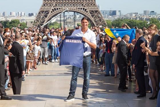 Tháp Eiffel và duyên nợ với Ronaldo, với thể thao ảnh 8