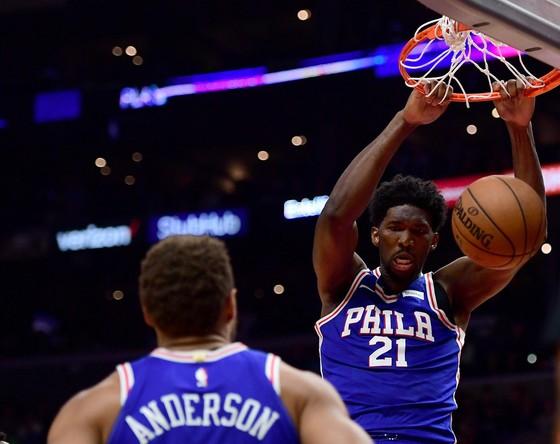 NBA 2017-2018: Không có Embiid, 76ers thúc thủ trước Pelicans ảnh 1