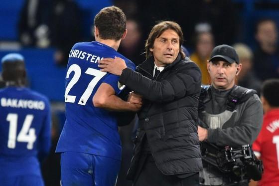 Chính Conte cũng ngạc nhiên vì Christensen ảnh 1