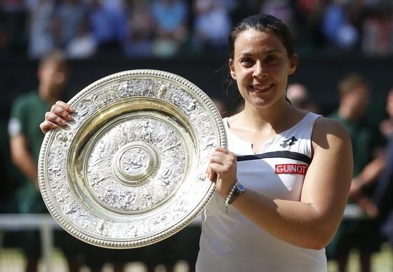 Bartoli khi vô địch Wimbledon 2013