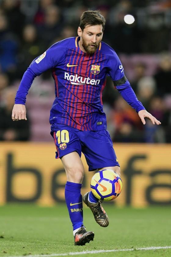 """Messi, Ronaldo, Lewandowski và Cavani là """"tứ đại sát thủ"""" của năm 2017 ảnh 2"""