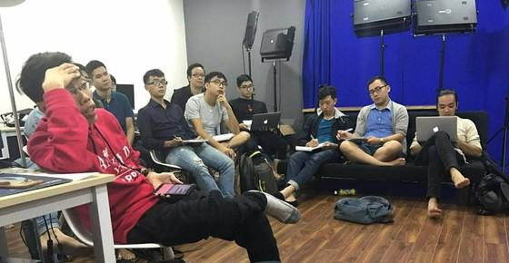 BLV Hoàng Nam mở lớp cho các anh em mê bình luận thể thao ảnh 1