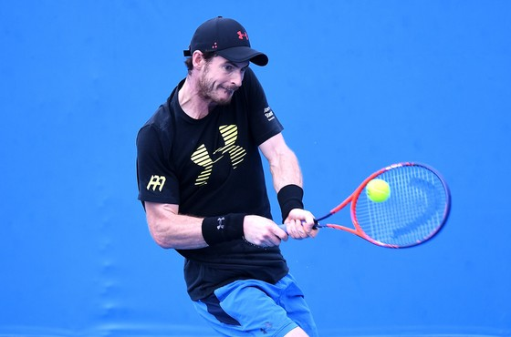 Andy Murray trong một buổi tập ở Pat Rafter Arena