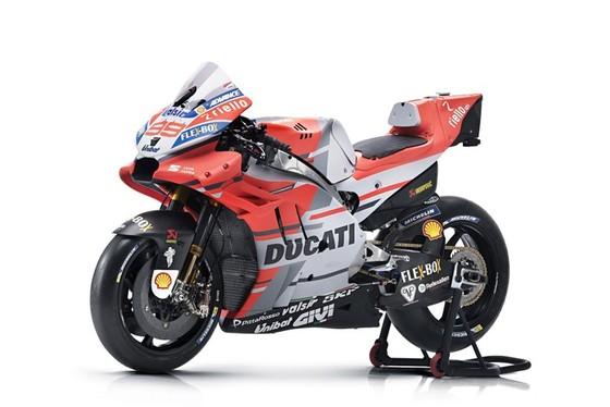 Đua xe mô tô: Ducati công bố mẫu xe đua mới cho Moto GP 2018 ảnh 2