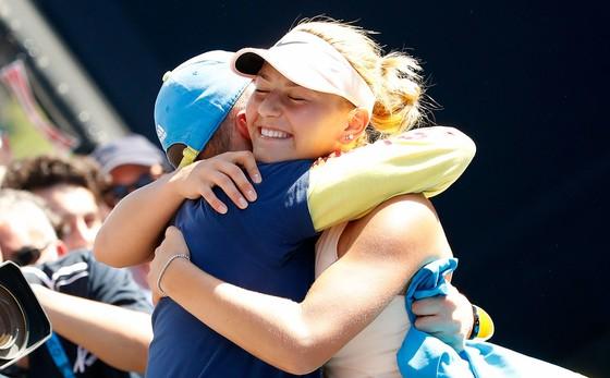 Australian Open 2018: Vì… 1 quả chuối, Vandeweghe đôi co với trọng tài ảnh 3