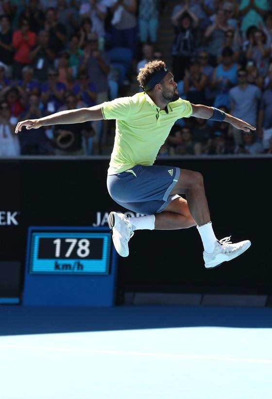 Australian Open 2018: Nadal chật vật thắng Mayer, Wozniacki thoát hiểm ảnh 2