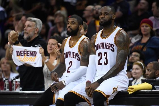 """NBA 2017-2018: Lộ tin Irving """"làm mình làm mẩy"""" để rời khỏi Cavs ảnh 1"""