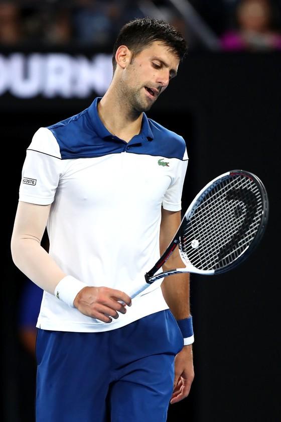 Không muốn mạo hiểm sức khỏe, Nadal sẵn sàng trao ngôi Nhà vua cho Federer  ảnh 1