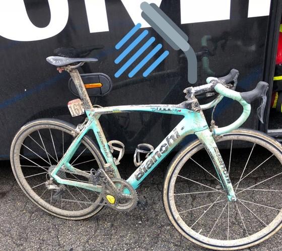 Xe đạp: Kinh hoàng đường đua ở Strade Bianchi ảnh 6