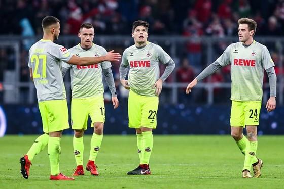 Đổi 7 kiểu áo trong mùa, FC Cologne vẫn xếp bét bảng Bundesliga ảnh 3