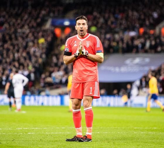 """Góc tiếu ngạo: Juve quá """"già giơ"""", Tottenham vẫn còn """"non và xanh lắm"""" ảnh 3"""