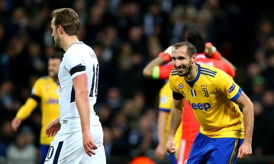 """Góc tiếu ngạo: Juve quá """"già giơ"""", Tottenham vẫn còn """"non và xanh lắm"""" ảnh 4"""